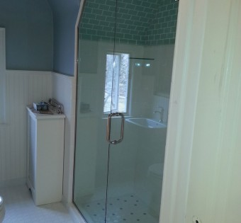 custom-frameless-shower-enclosure-angled-ceiling-minnesota